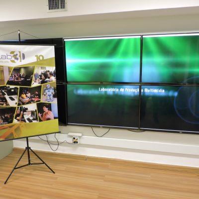 Foto do Lab3D mostra o display wall